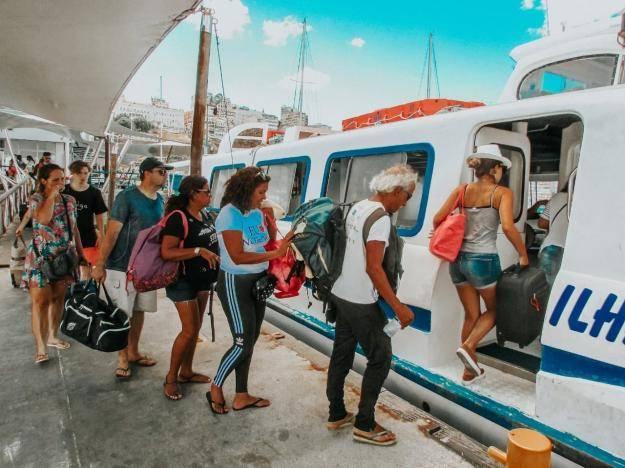 Embarque de passageiros para Morro de São Paulo