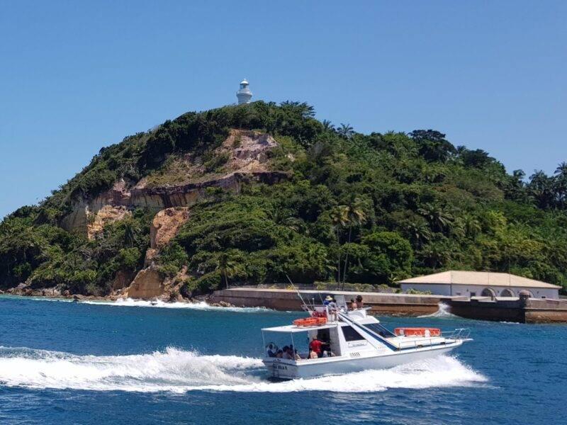 Lancha Ilha Bela chegando em Morro de São Paulo