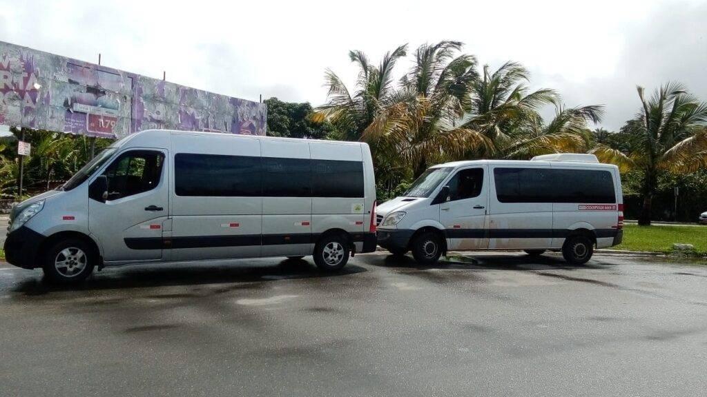 Vans para o transporte do trecho terrestre
